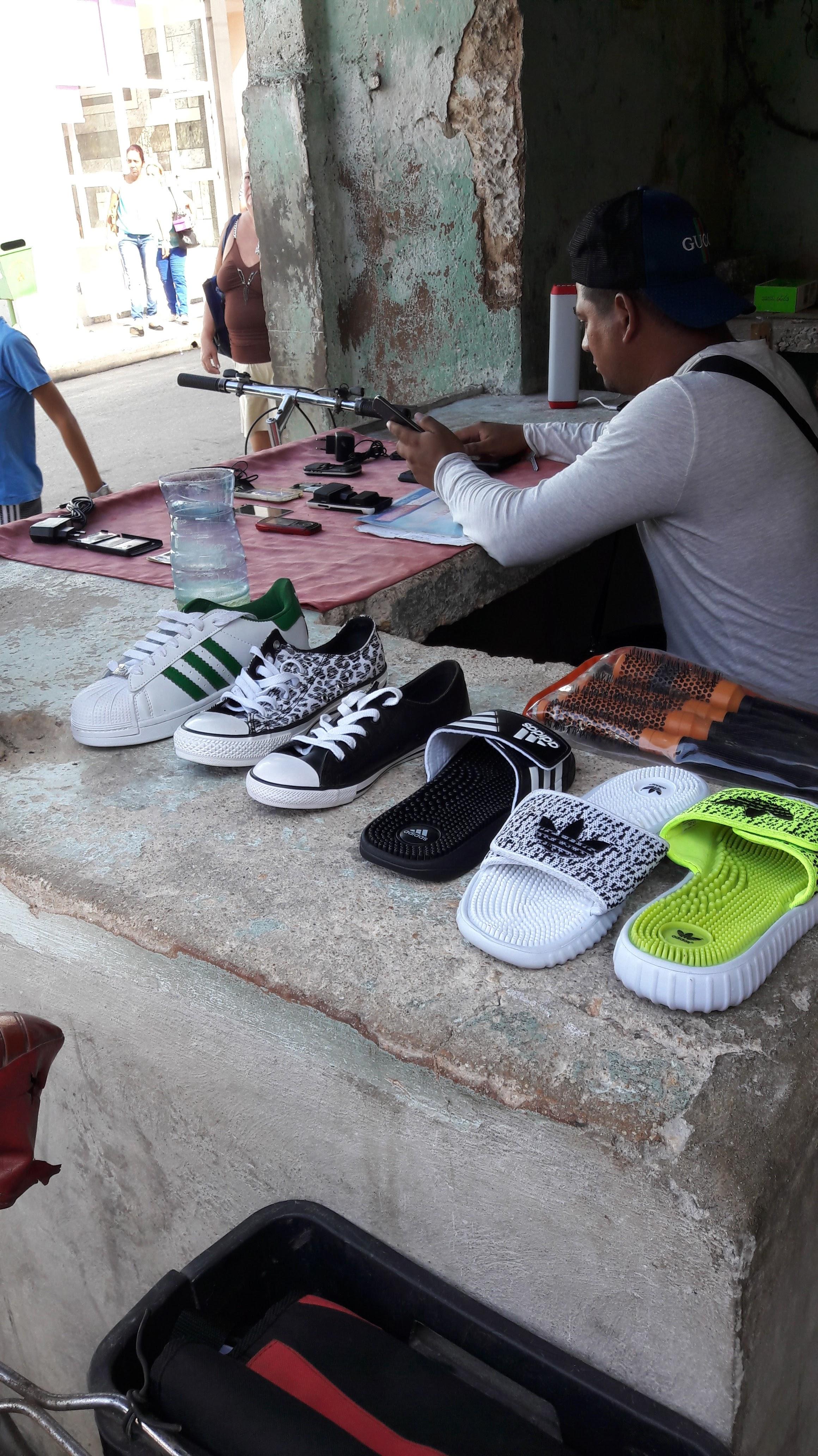 negozio-scarpe-telefonia-matanzas-cuba