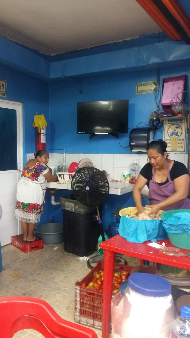 loncheria-doña-mary-playa-del-carmen-messico