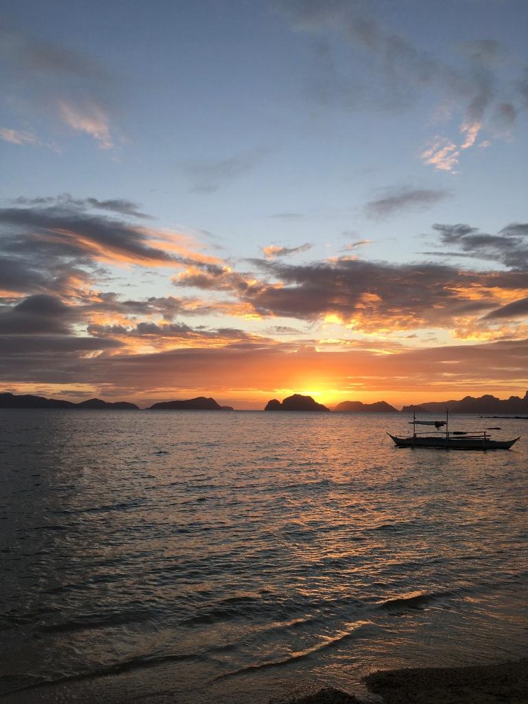 tramonto-las-cabanas-beach-el-nido-palawan