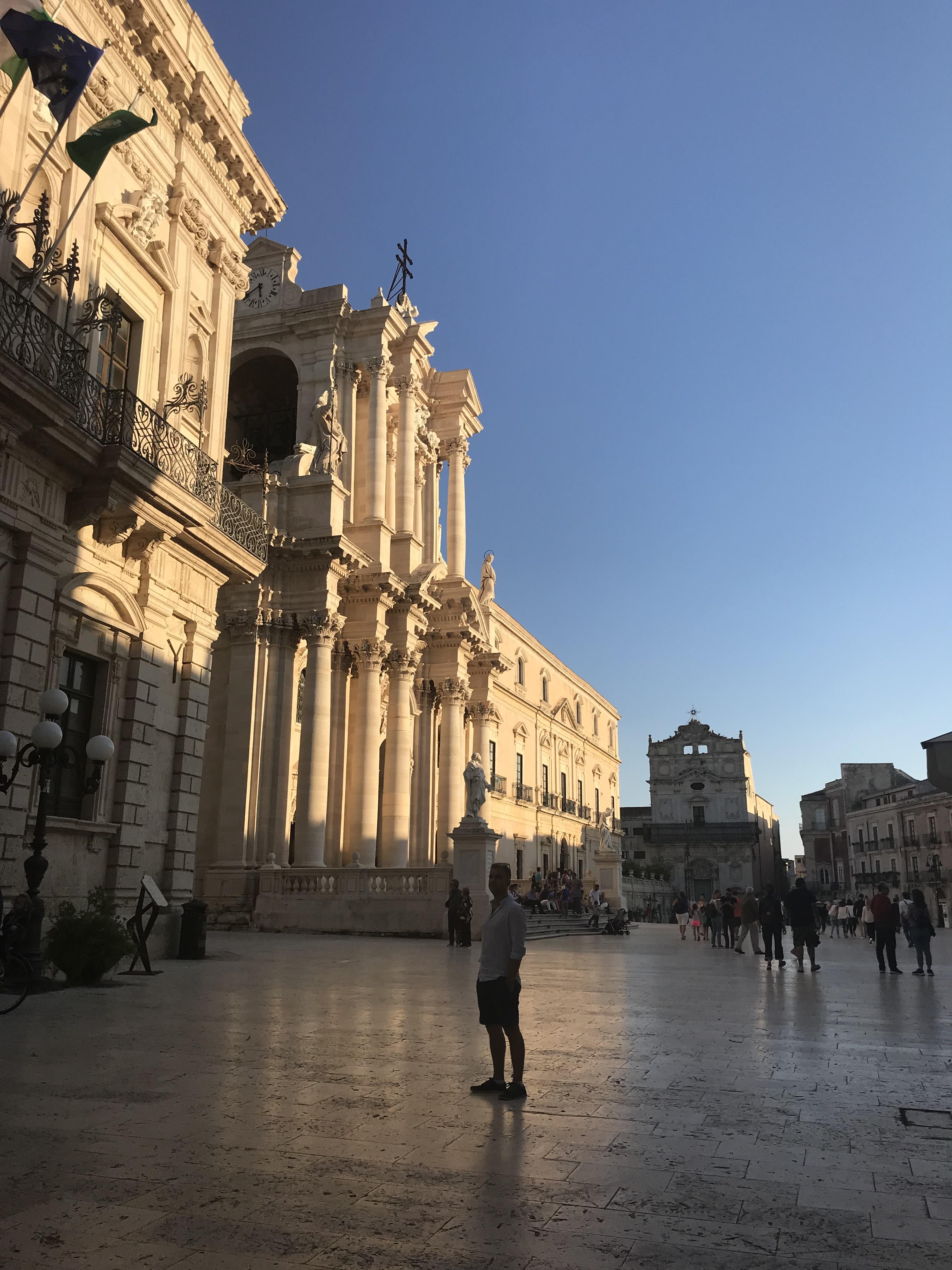 piazza-duomo-ortigia