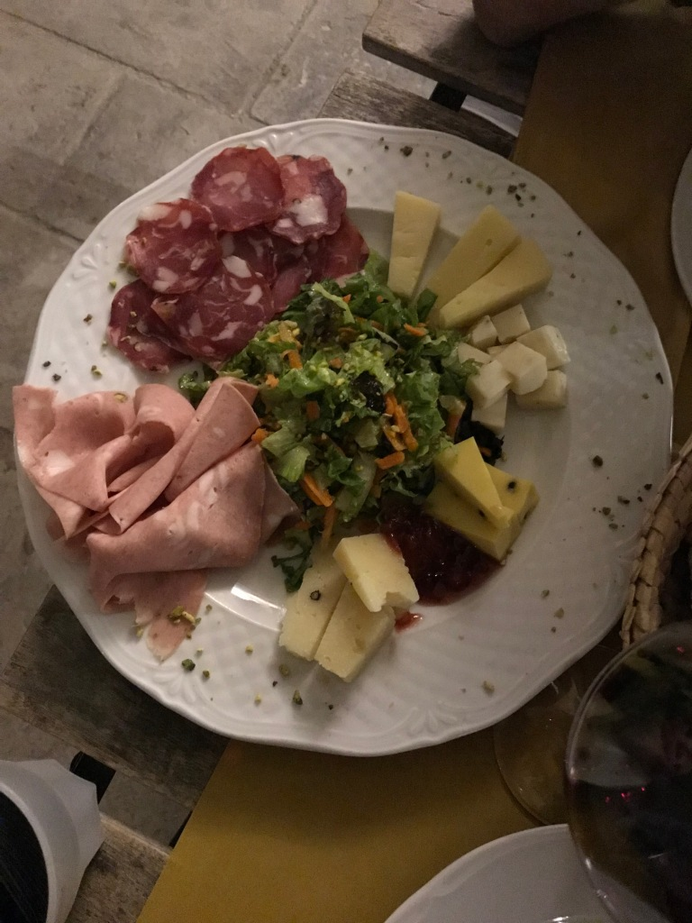 aperitivo-marzamemi-piazza-regina-margherita