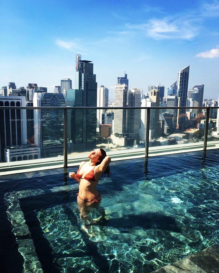 piscina-city-garden-grand-hotel-makati-manila