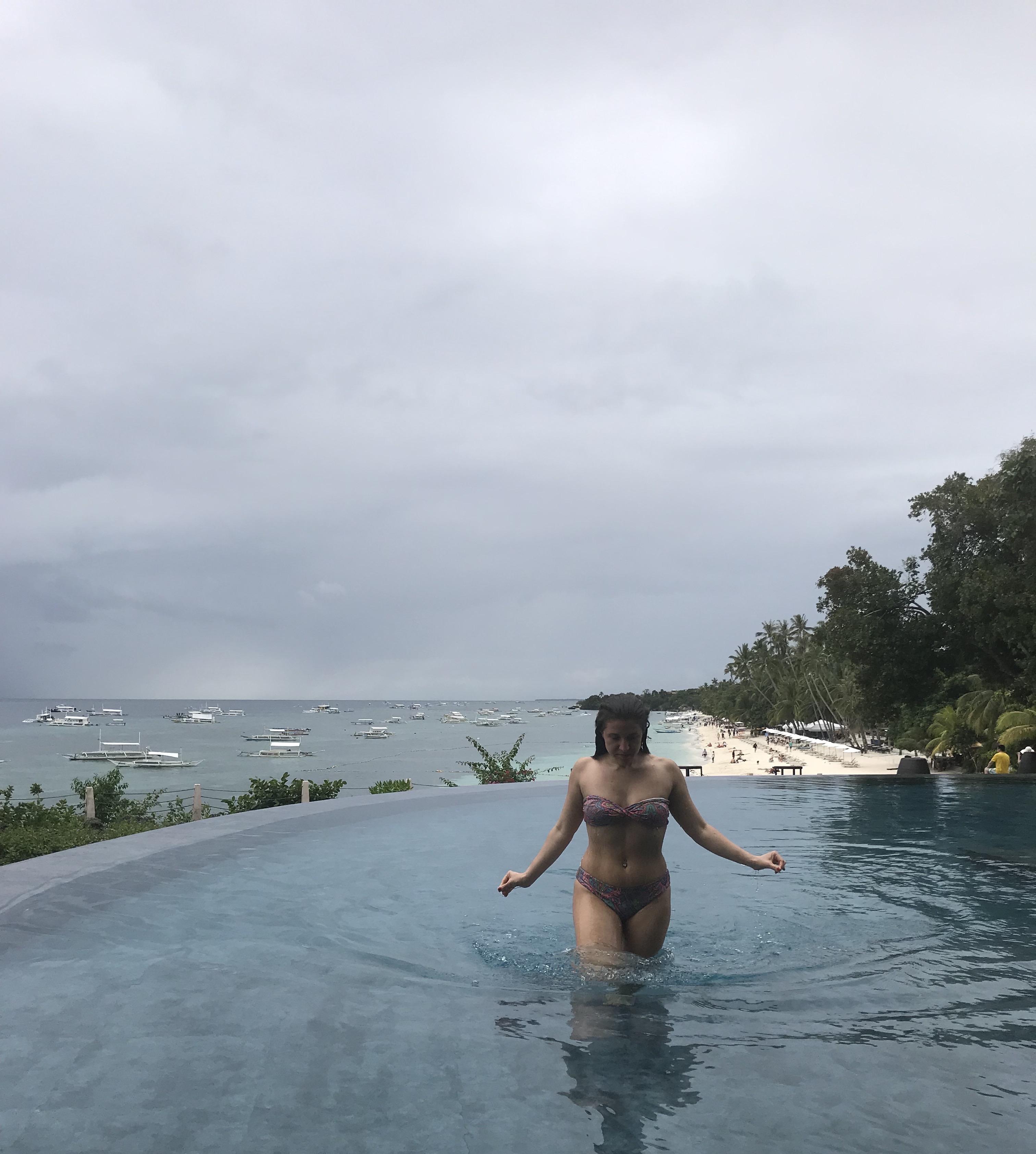 infinity-pool-amorita-resort-bohol