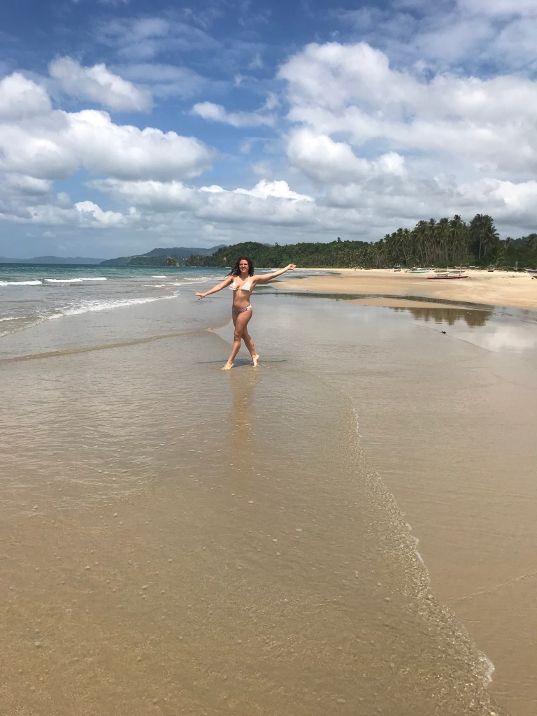 long-beach-san-vincente-palawan
