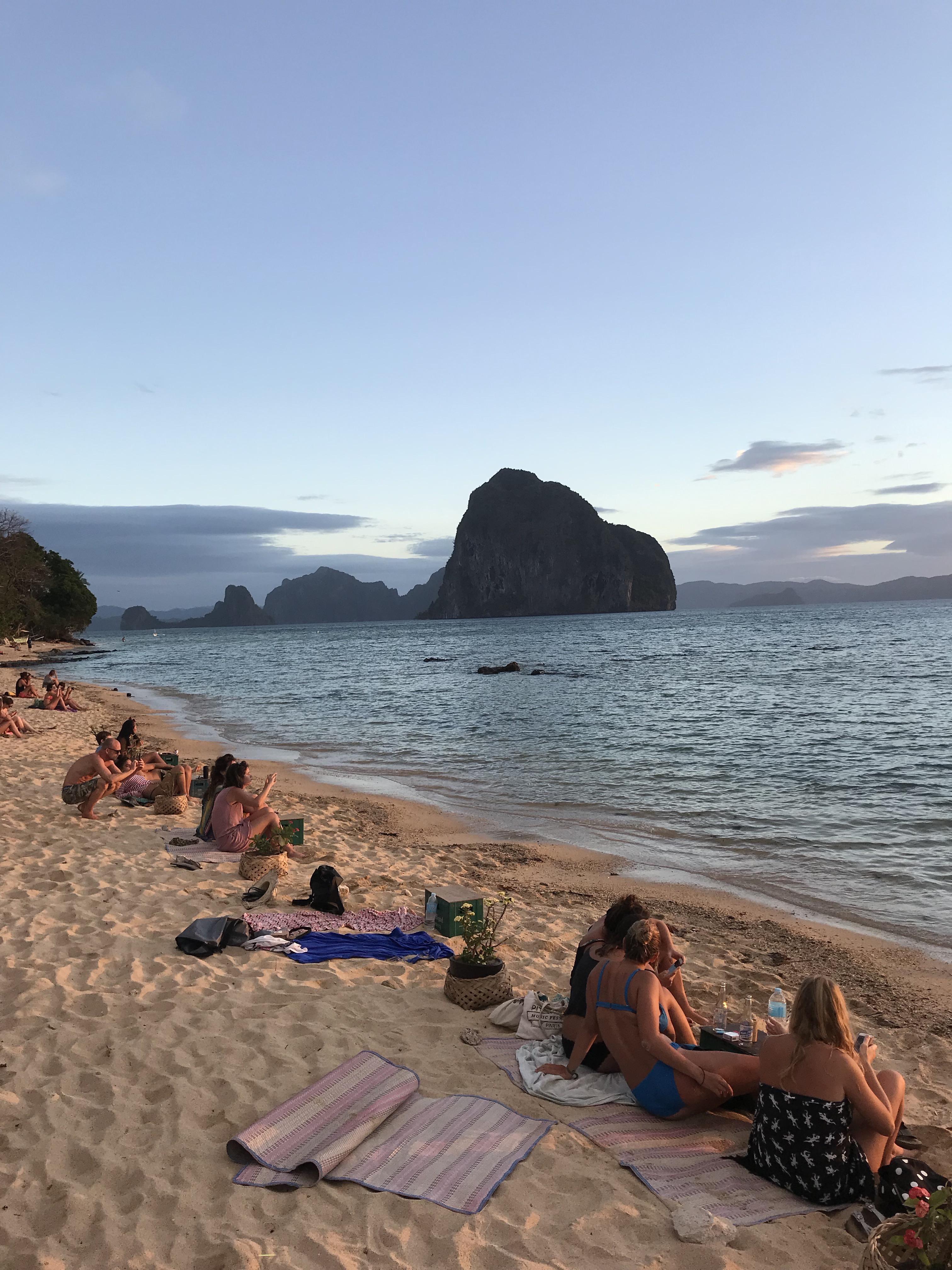las-cabanas-beach-el-nido-palawan