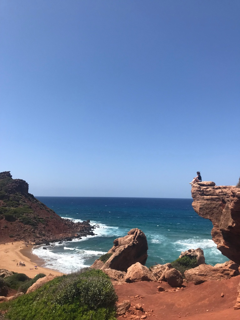 formazioni-rocciose-cala-del-pilar-minorca-spagna