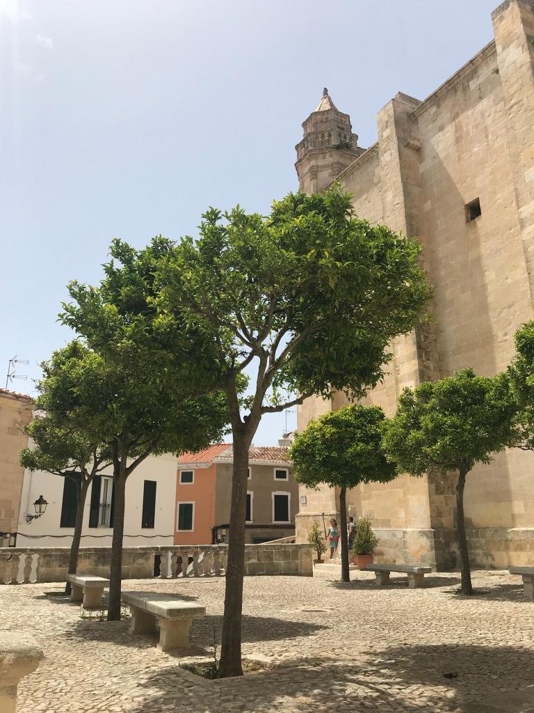 centro-storico-alaior-minorca-spagna