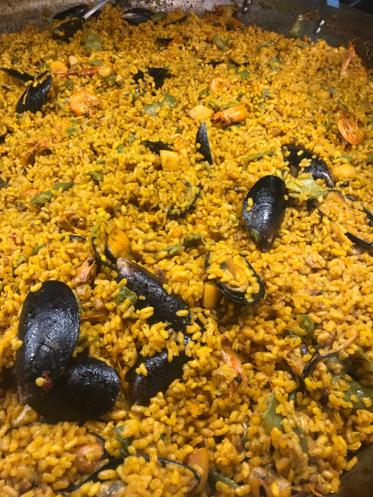 paella-mercado-pescados-maó-minorca-spagna