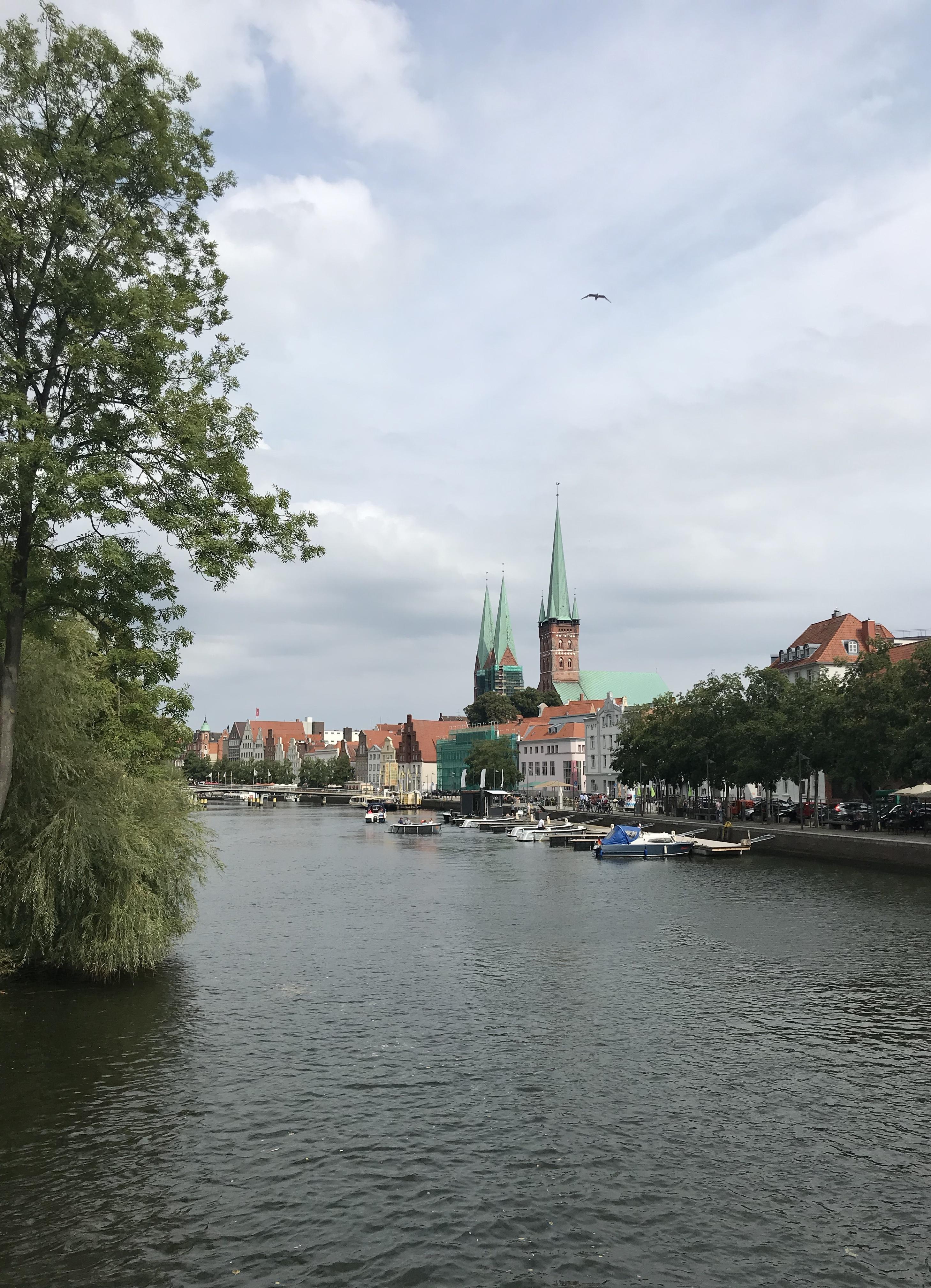 vista-lubecca-fiume-trave-schleswig-holstein-germania