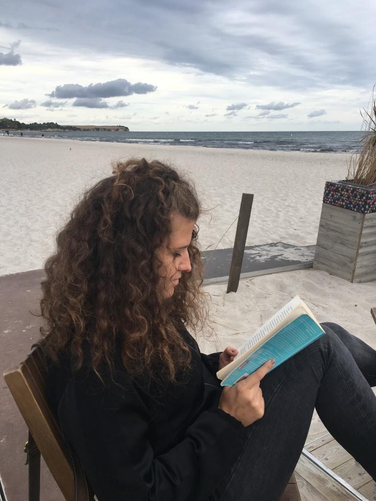 leggere-spiaggia-boltenhagen-schleswig-holstein-germania