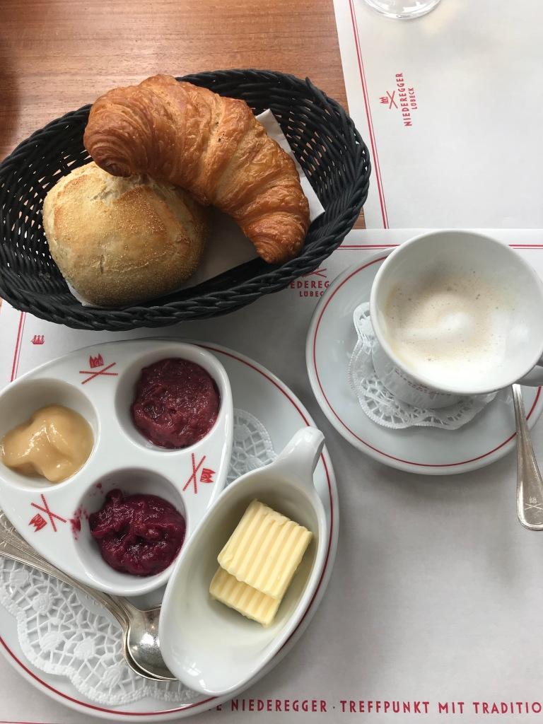 colazione-marzapane-café-niederegger-lubecca-germania