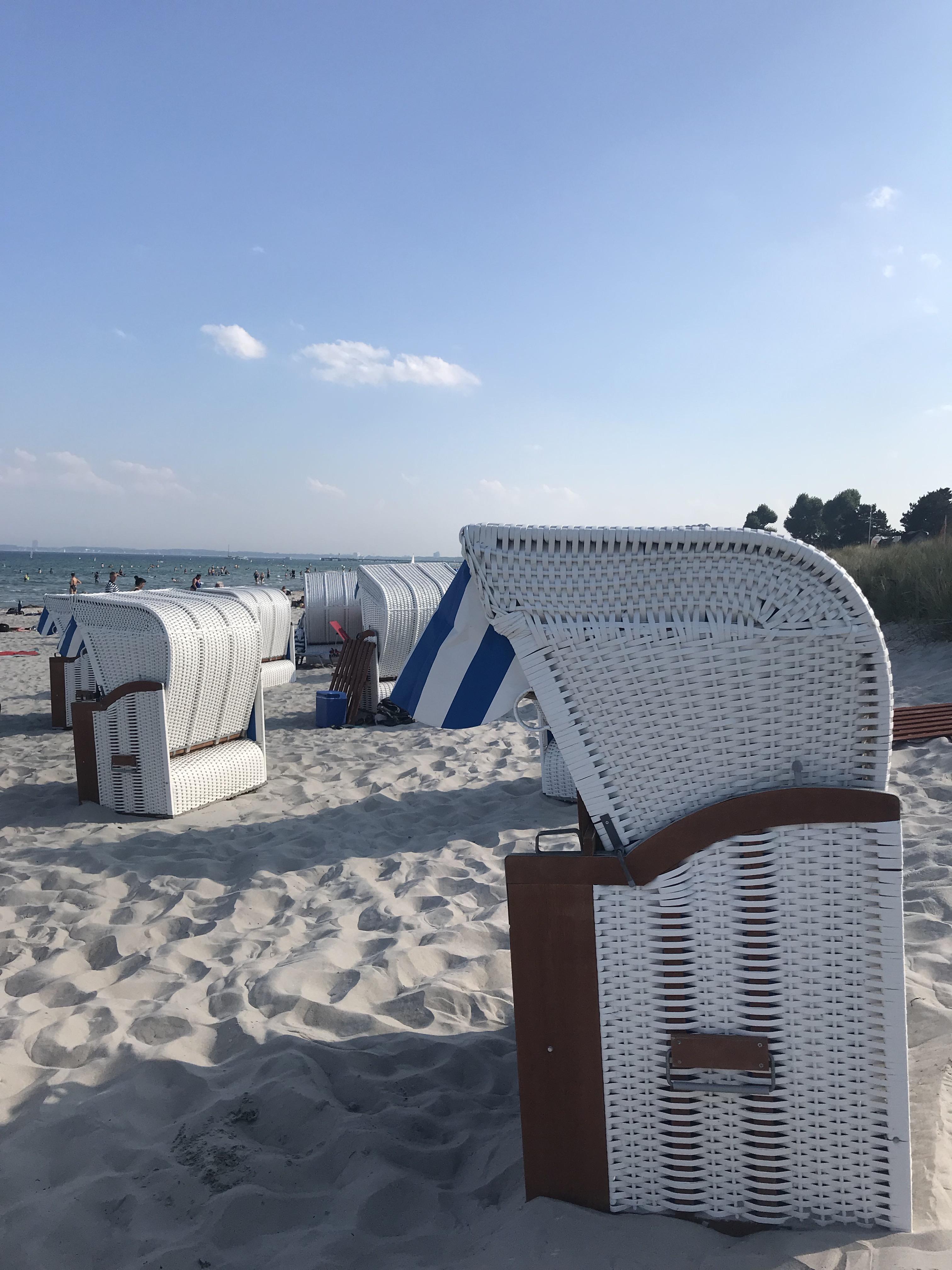 strandkörbe-spiaggia-scharbeutz-schleswig-holstein-germania