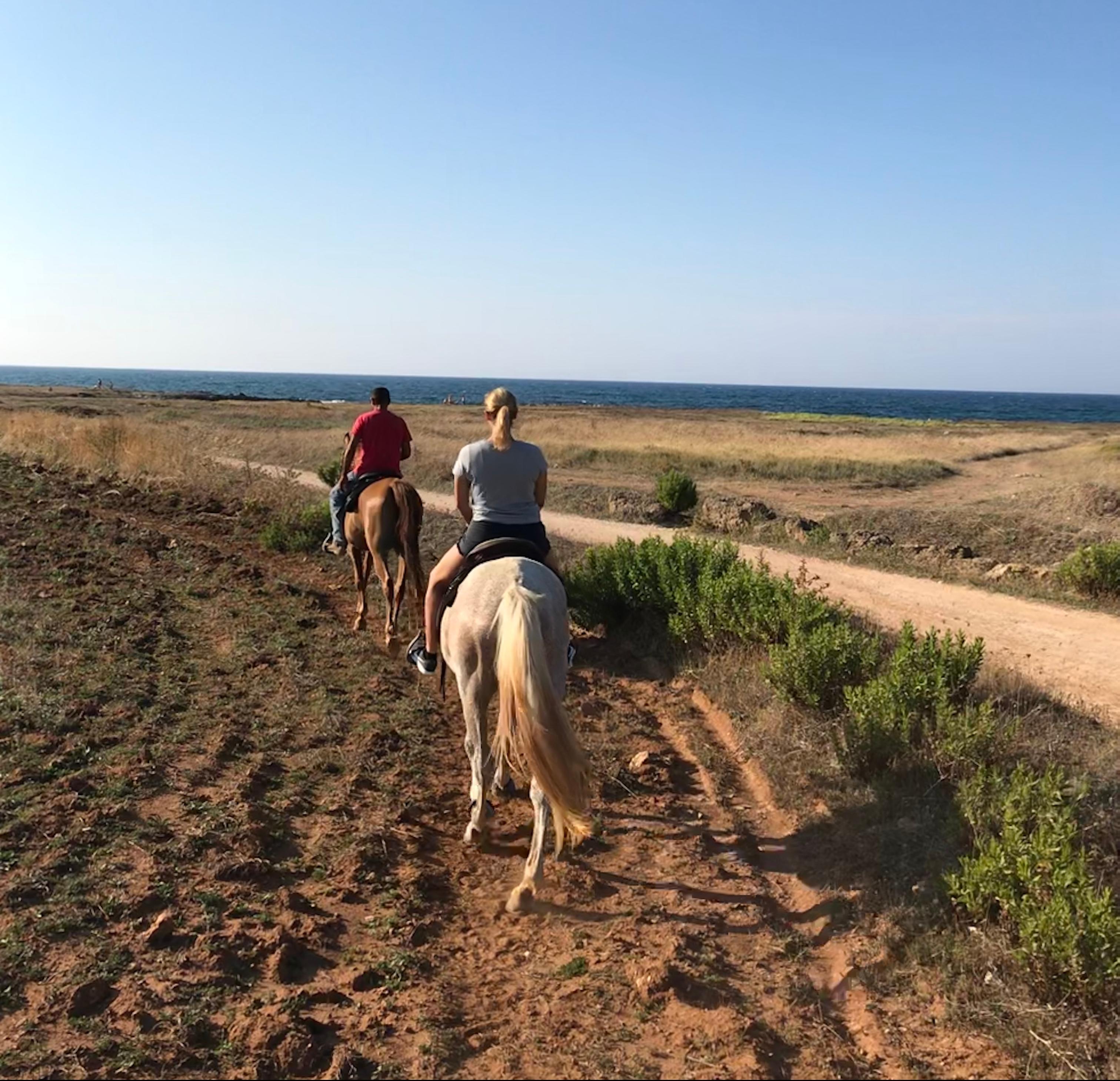 passeggiata-cavallo-mare-marina-ostuni
