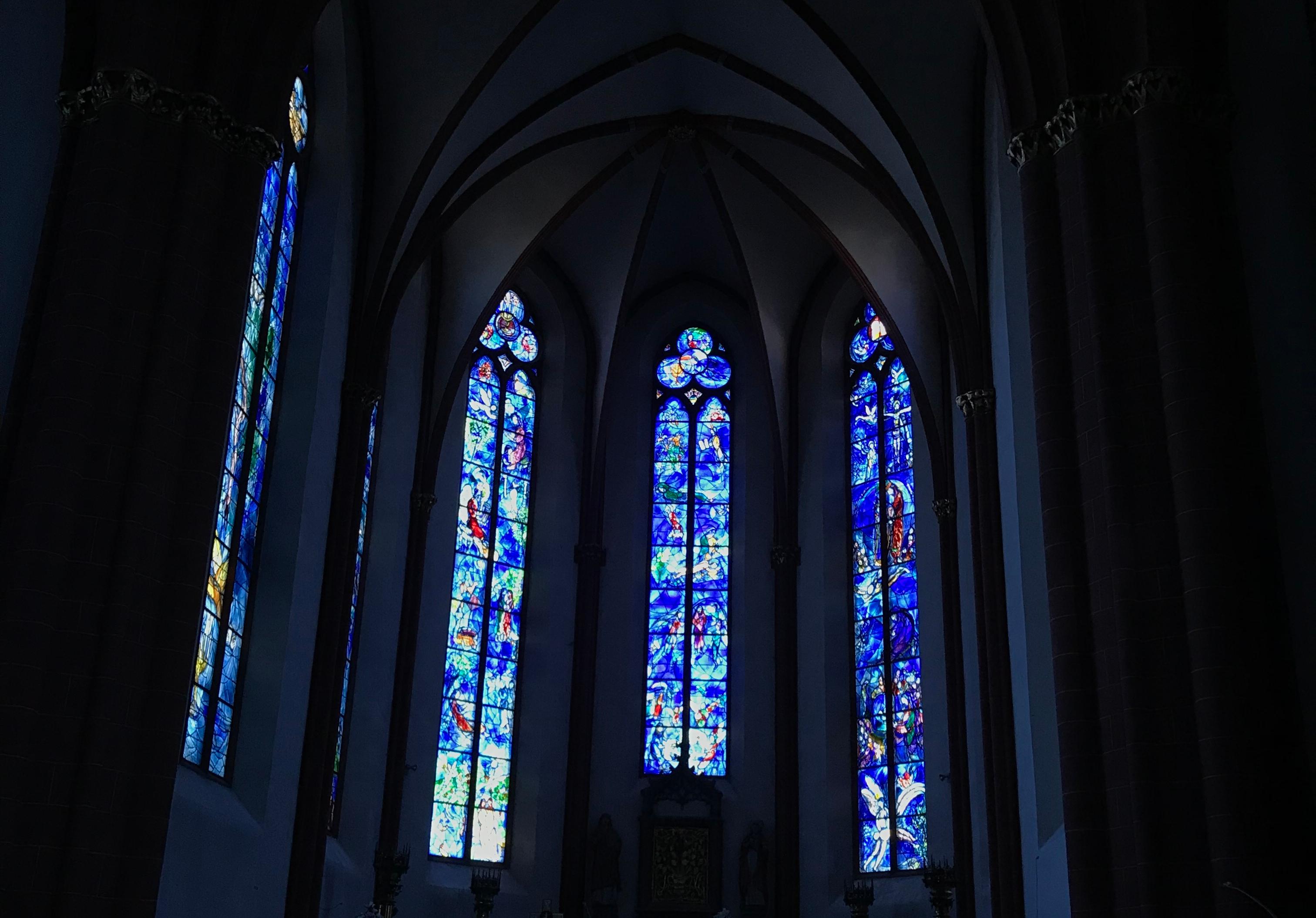 Le finestre di Chagall nella chiesa di Santo Stefano - Magonza, Hessen, Germania