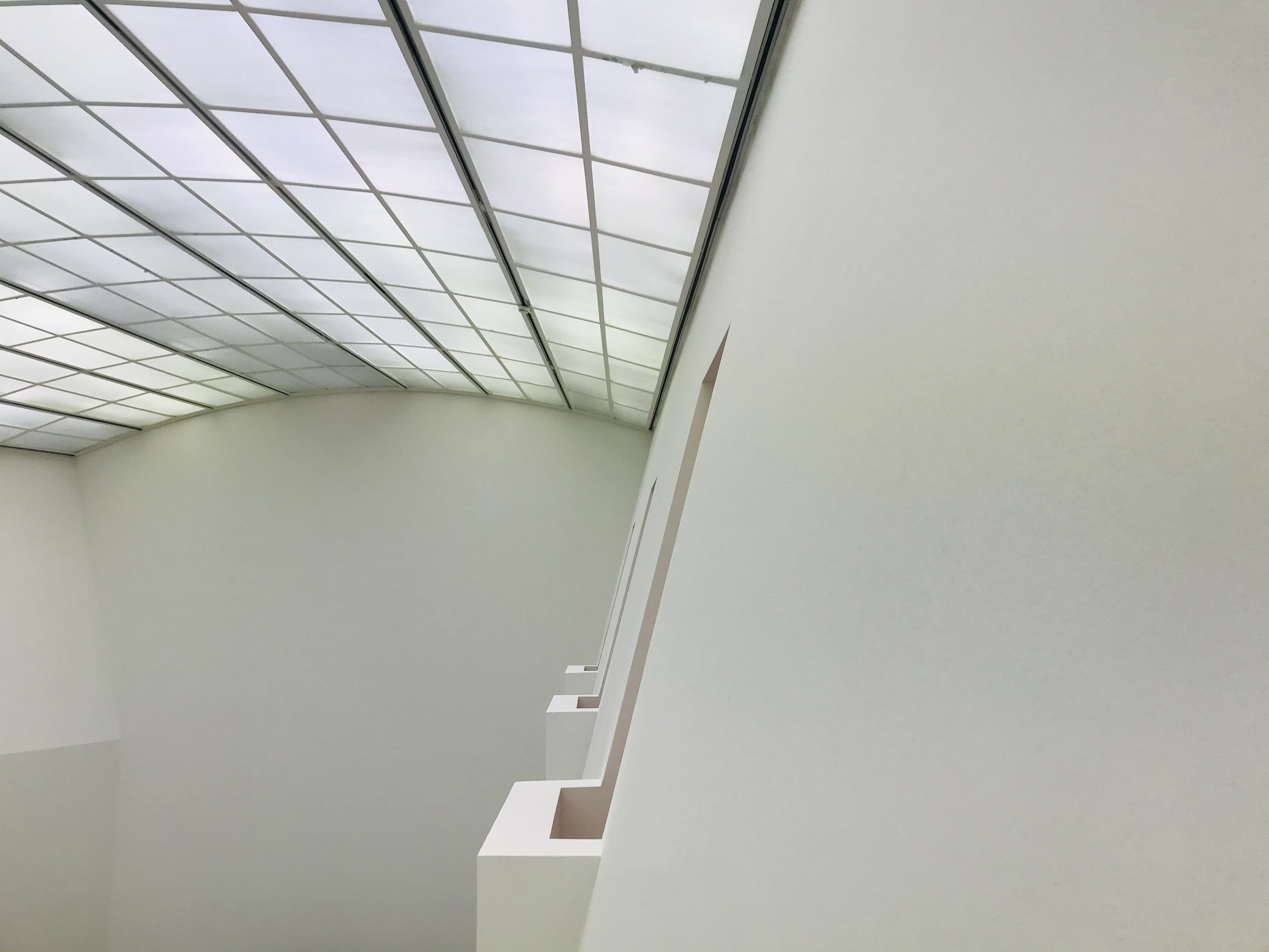 L'architettura irresistibile dell'MMK, il museo di arte moderna - Francoforte, Hessen, Germania
