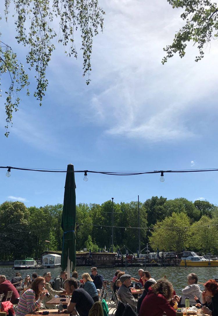 pausa-pranzo-insel-der-jugend-treptower-park-berlino
