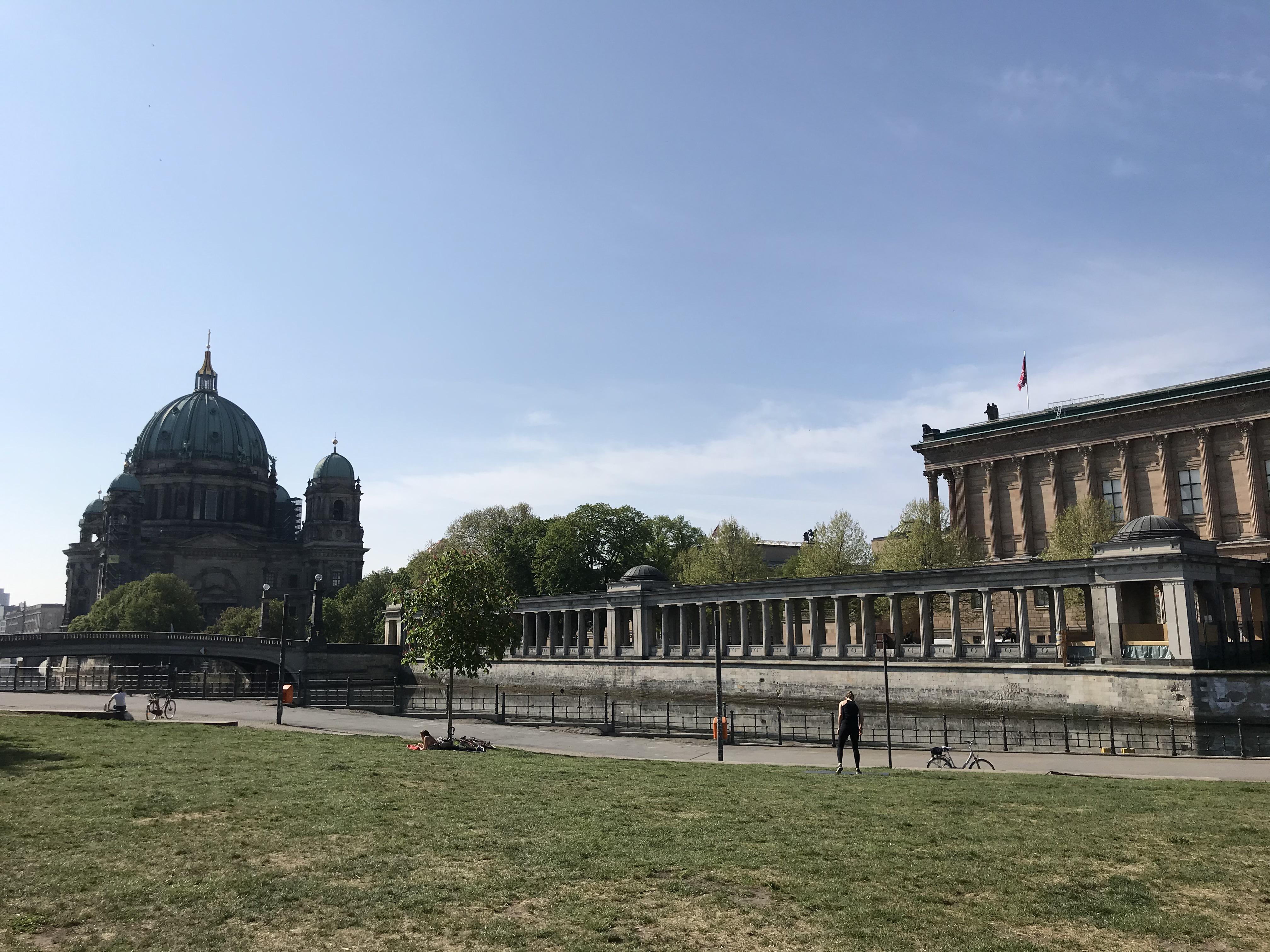 vista-duomo-berlino-isola-musei-james-simon-park
