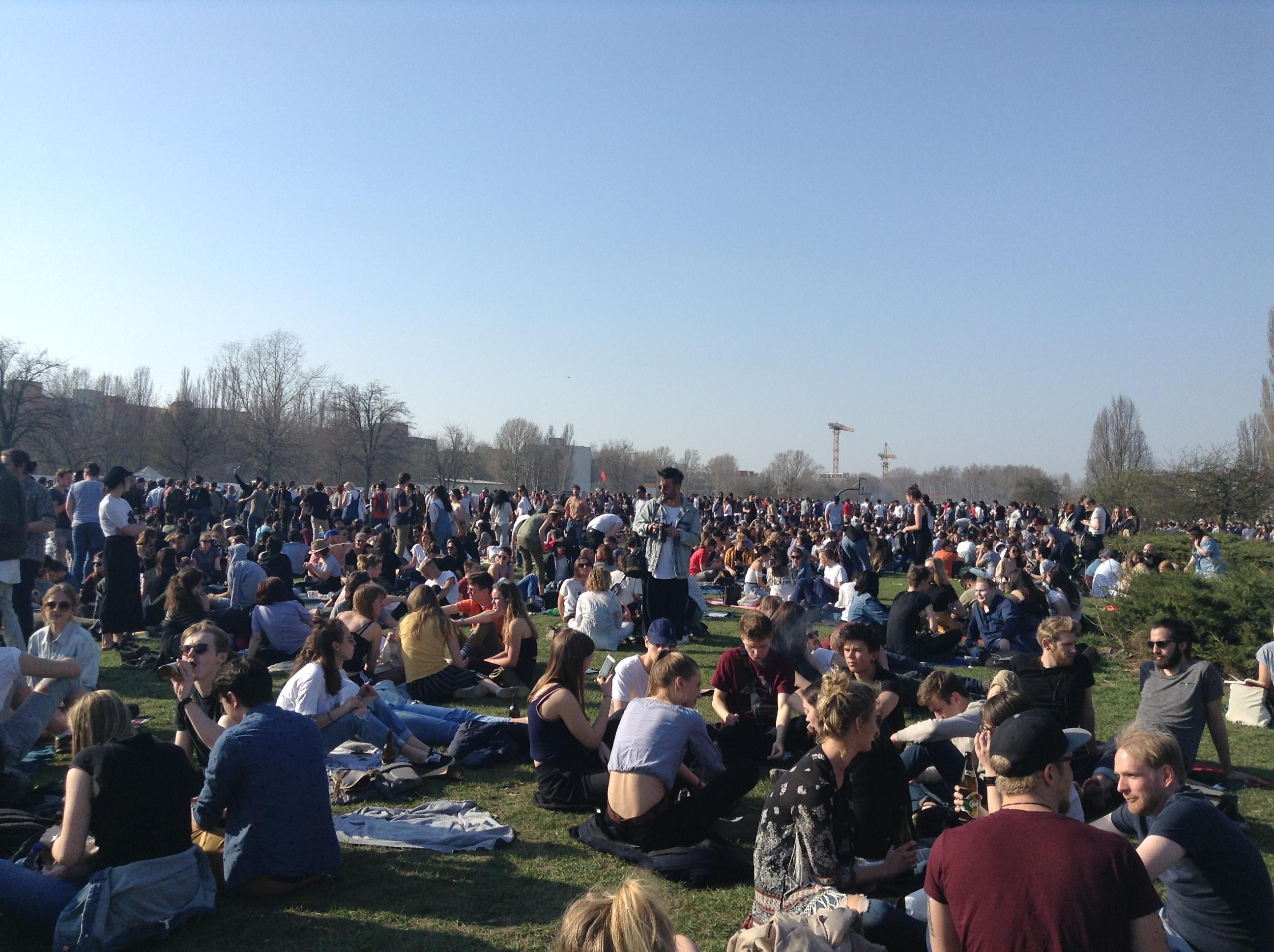 domenica-sole-mauerpark-berlino
