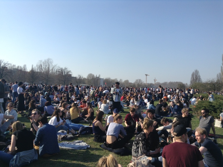 domenica-sole-mauerpark-berlino