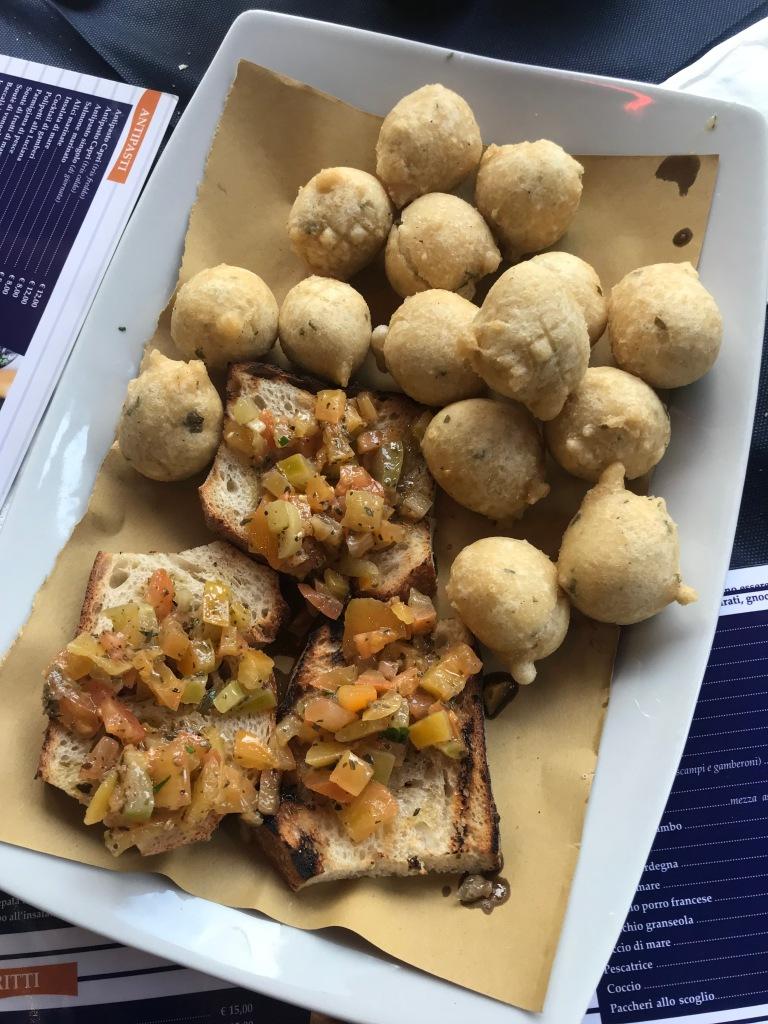 gnocco-fritto-bruschette-pescheria-capri-napoli