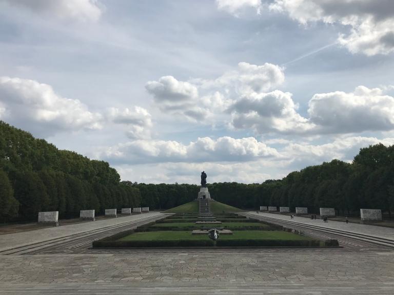 memoriale-sovietico-treptower-park-berlino