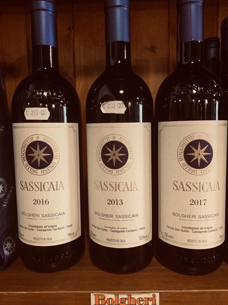 Il prezzo alla bottiglia del vino Sassicaia - Maremma, Toscana, Italia