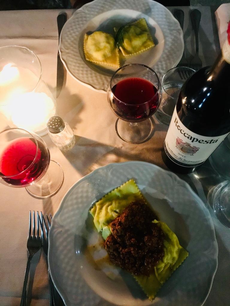 Ravioli con ragù di cinghiale al ristorante Trattoria Toscana - Capalbio, Toscana, Italia