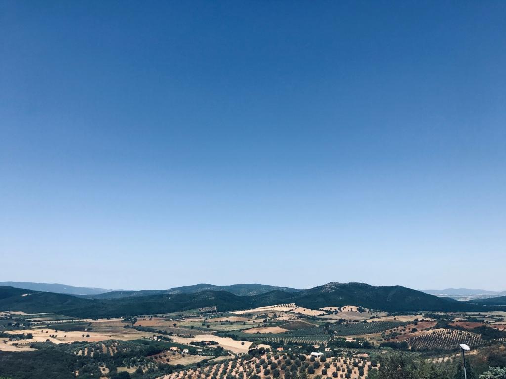 La vista sulla campagna maremmana dalle mura - Capalbio, Toscana, Italia