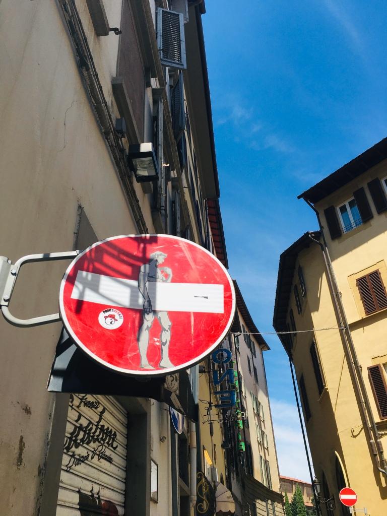 A Firenze i riferimenti all'arte non finiscono mai - Firenze, Toscana, Italia