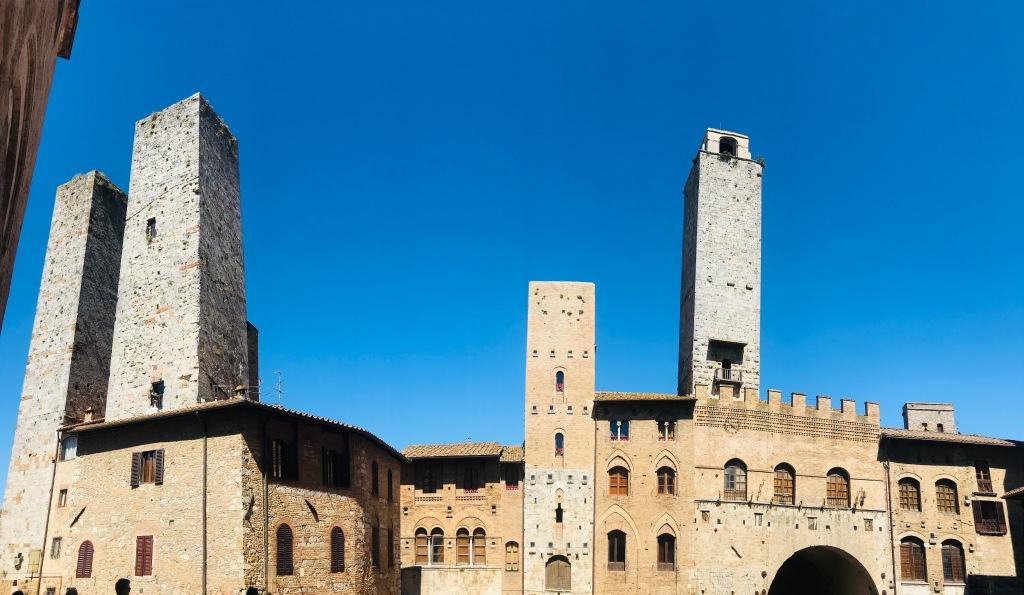 Le torri di San Gimignano, considerata la Manhattan del Medioevo - San Gimignano, Toscana, Italia