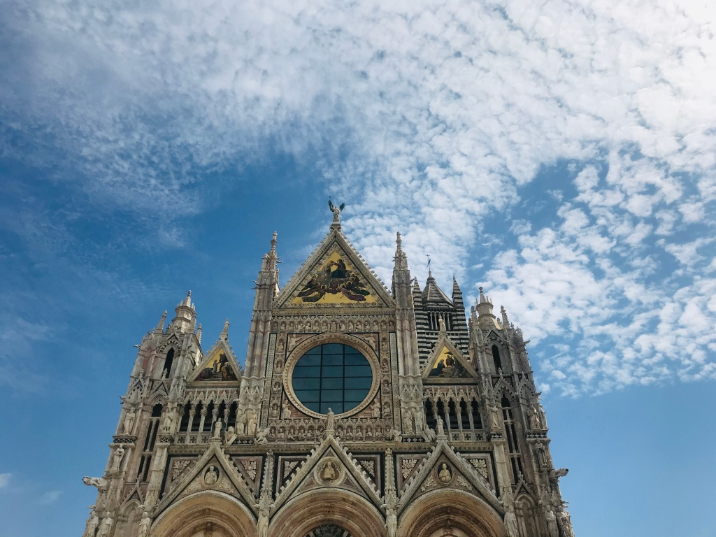 La splendida facciata del Duomo - Siena, Toscana, Italia