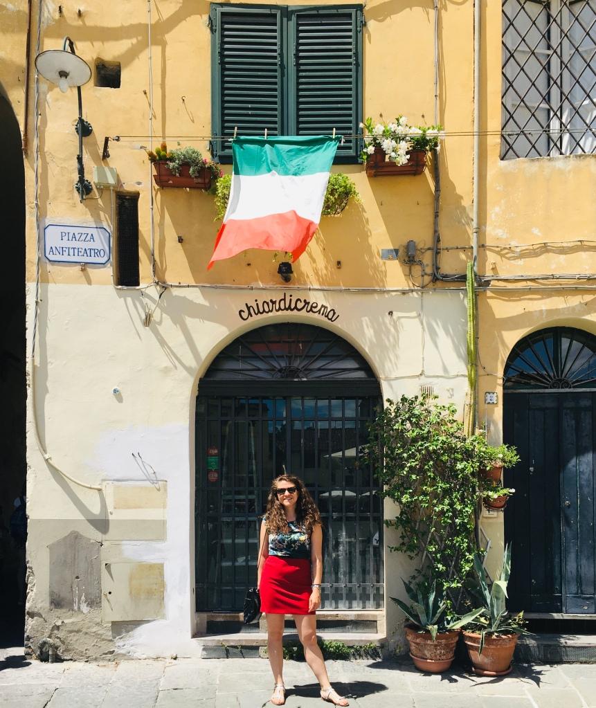 Uno degli angoli che più ho amato di Piazza dell'Anfiteatro - Lucca, Toscana, Italia