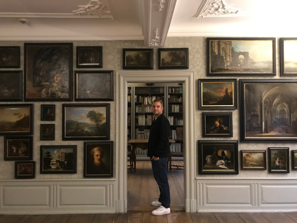 Johannes in una delle stanze della Frankfurter Goethe-Haus, la casa di Goethe - Francoforte, Hessen, Germania