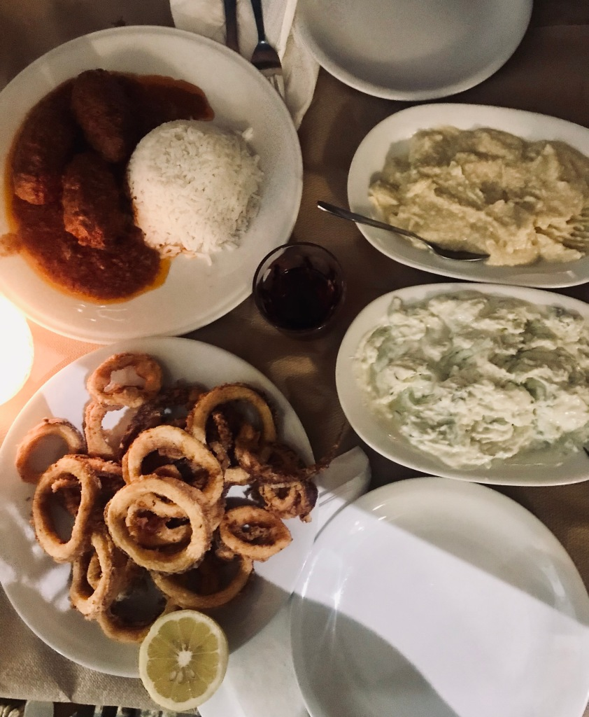 I calamari fritti più buoni della mia vita li ho mangiati al ristorante Opos Palia - Atene, Grecia