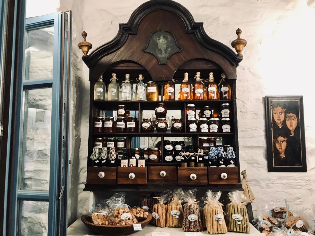Boutique di prodotti tipici ad Apollonia - Sifnos, Isole Cicladi, Grecia