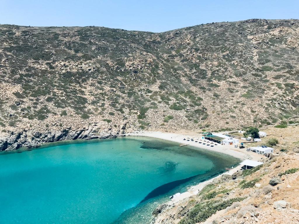Il mare sensazionale della spiaggia Vroulidia - Sifnos, Isole Cicladi, Grecia
