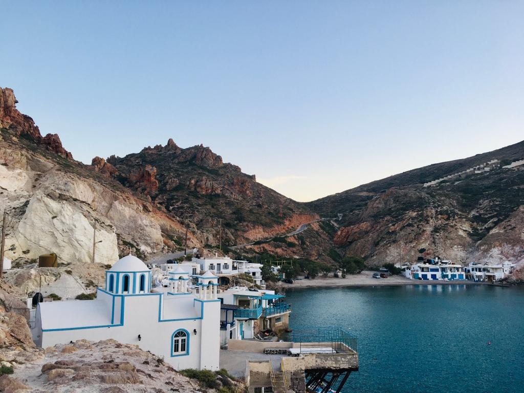 Firopotamos, paesino di pescatori in cui piangere al tramonto - Isola di Milos, Cicladi, Grecia